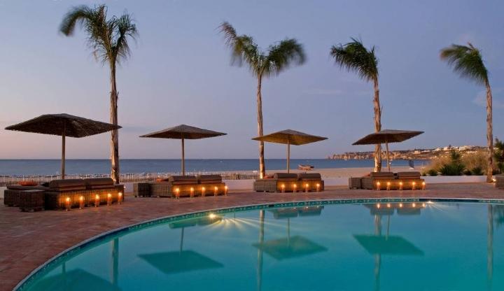 Drink duna beach club in portim o the western algarve for Hotel luxury algarve